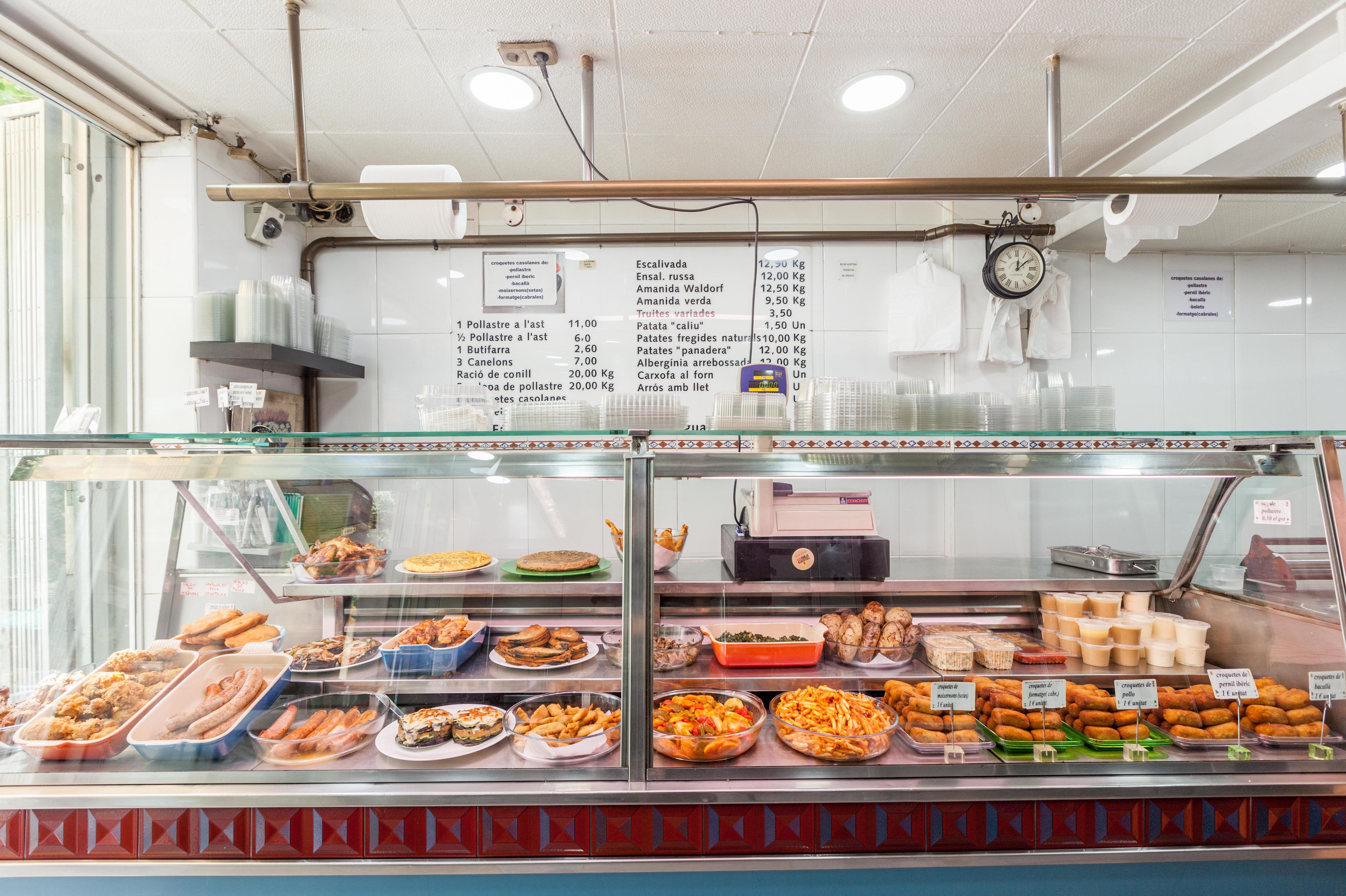 Asador de pollos en Eixample Barcelona|Rostisseria Urgel Bcn