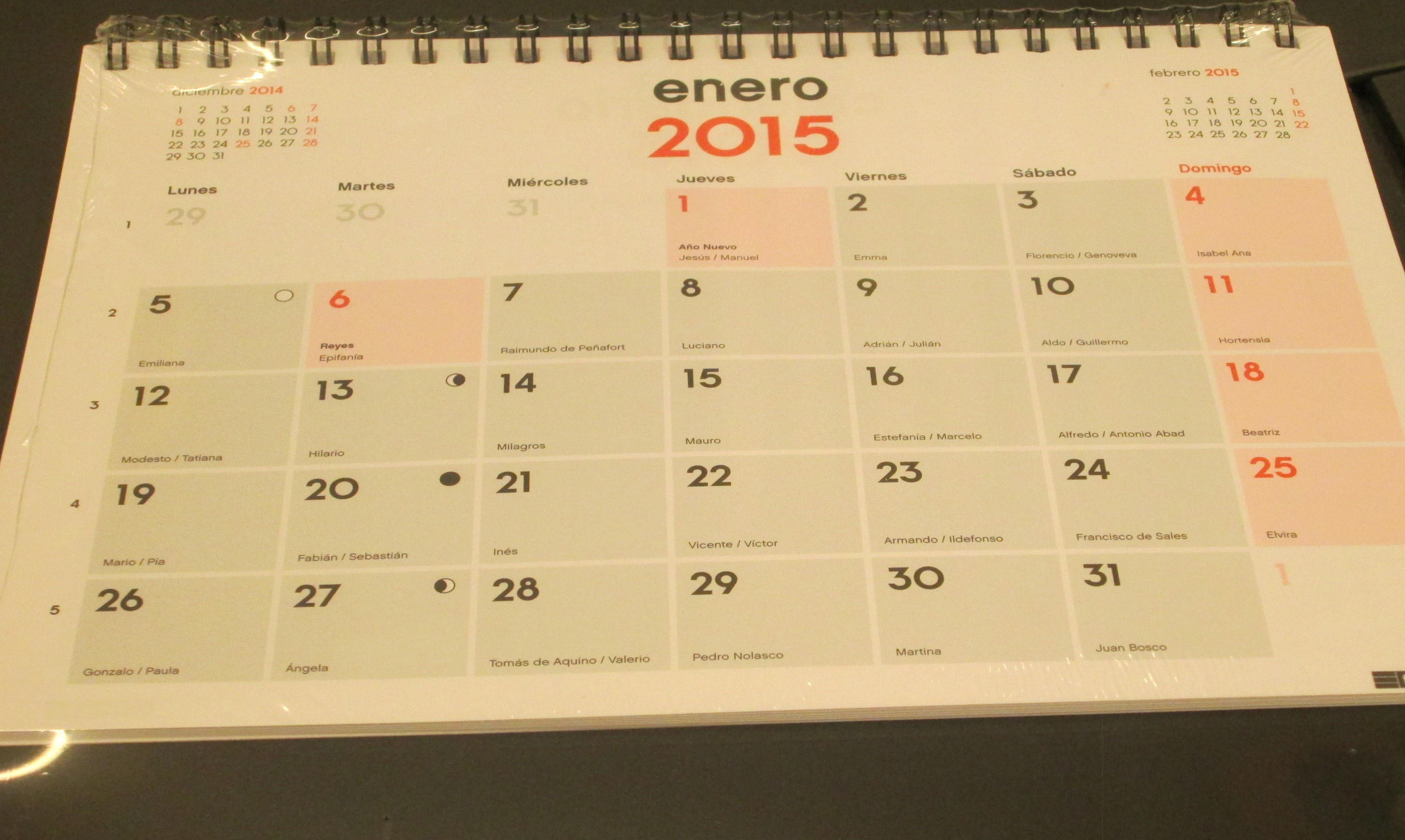 Calendario de mesa 15 x 21 cms.