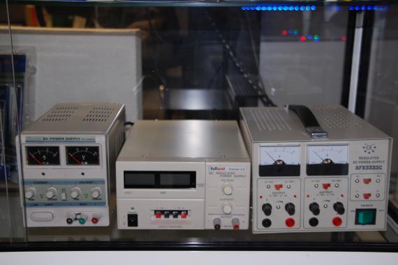 Fuente de alimentacion de laboratorio
