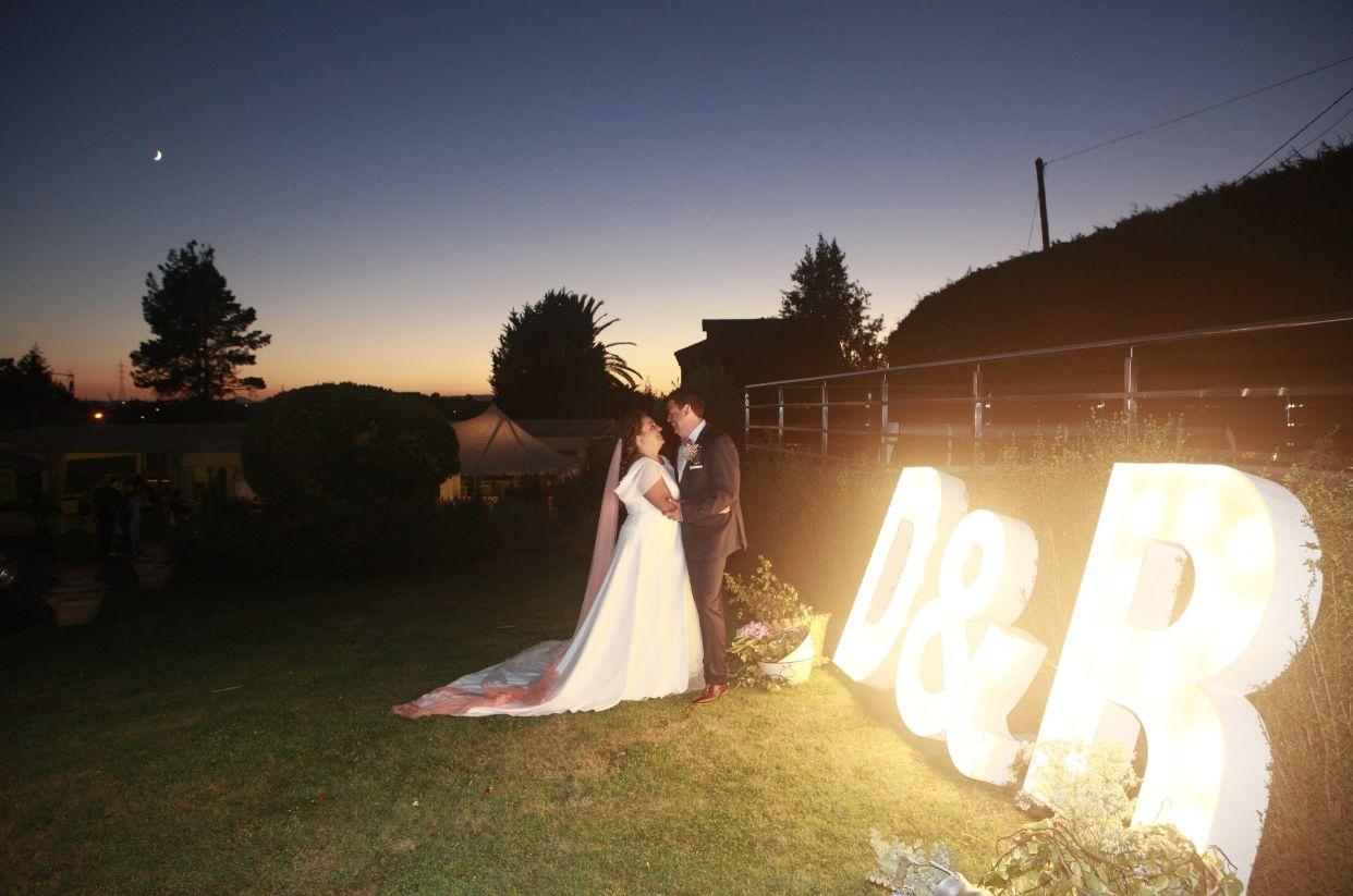 Alquilar letras gigantes luminosas para bodas Galicia