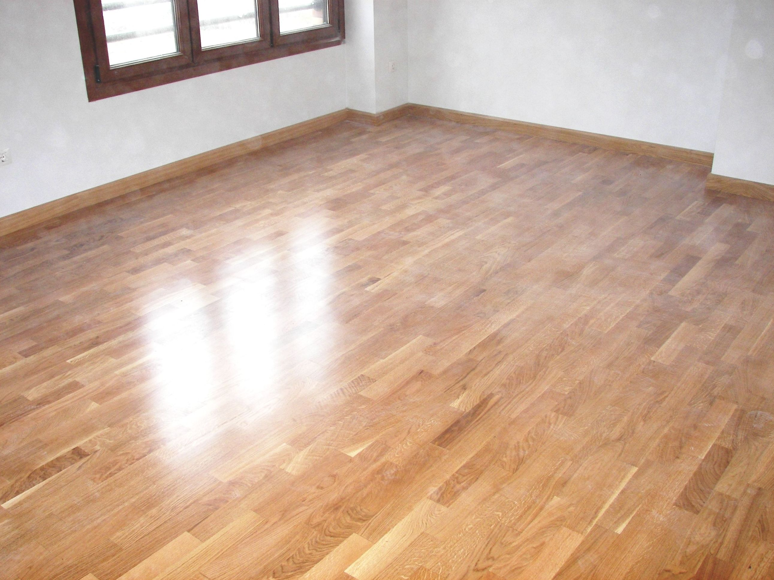 Instalacion tarima de madera y rodapie  ASTURIAS, ESPAÑA