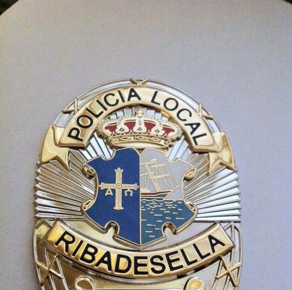 PLACA POLICIA RIBADESELLA