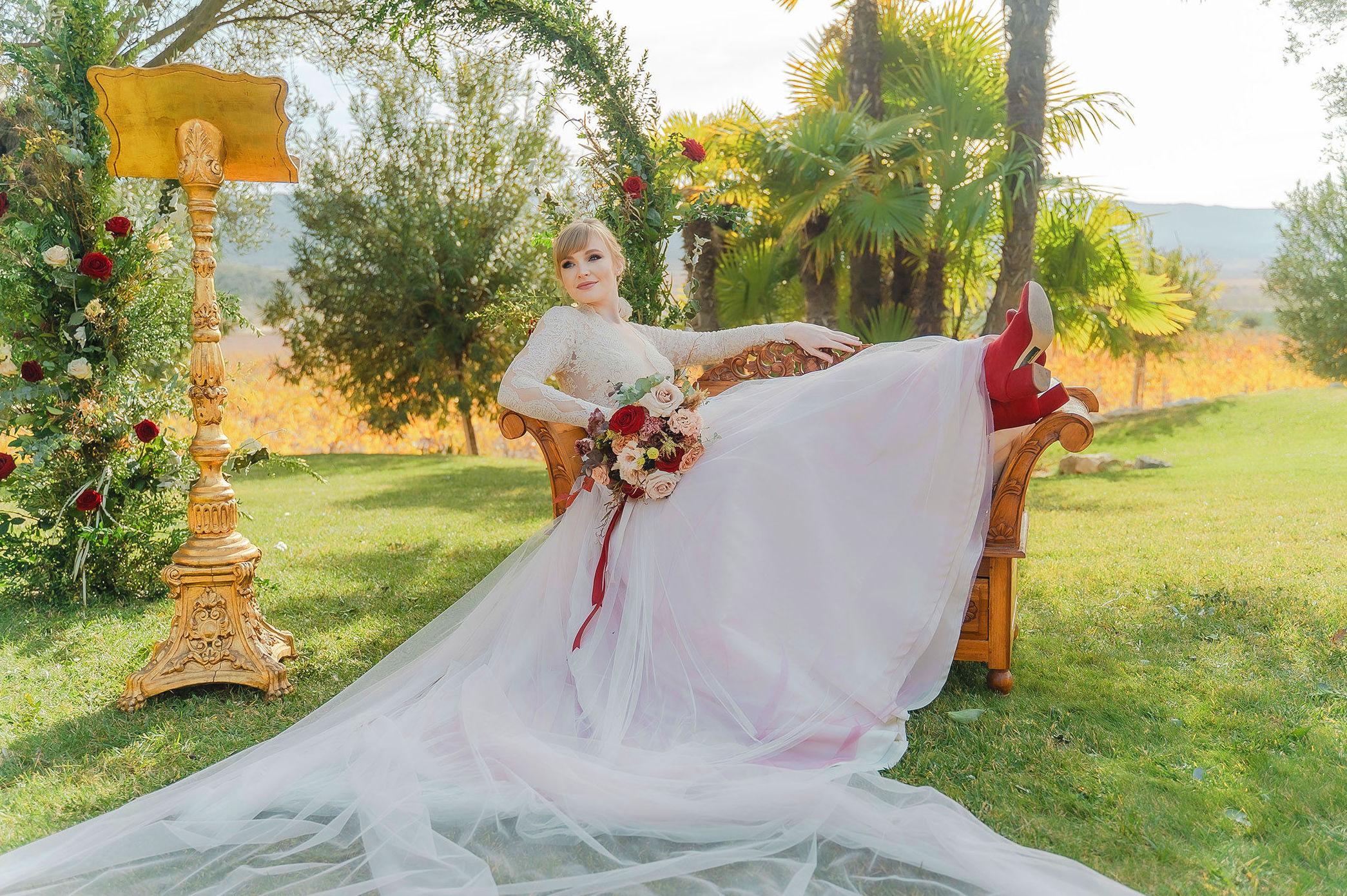 Foto 1 de Novias en Alacant | ATELIER YOLANDA NOVIAS