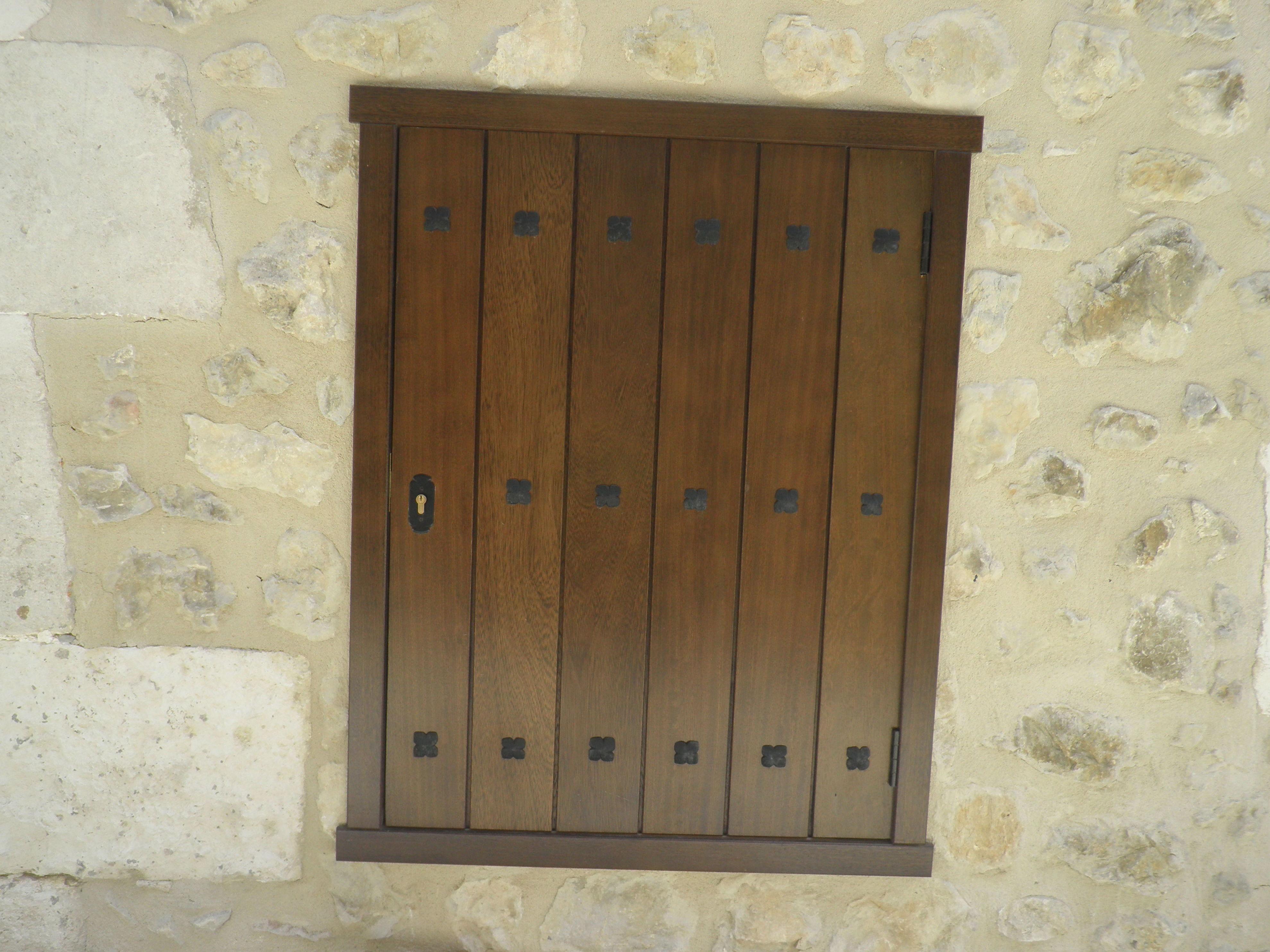 Puertas y ventanas rústicas en Vitoria-Gasteiz