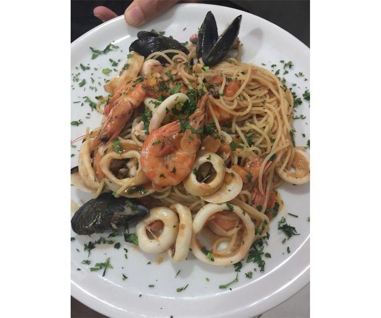 Restaurante especializado en cocina italiana y española en Arona