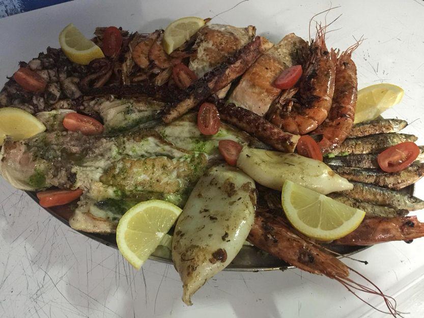 Restaurante especializado en mariscos en Arona