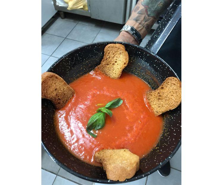 Restaurante de cocina italiana y española en Arona