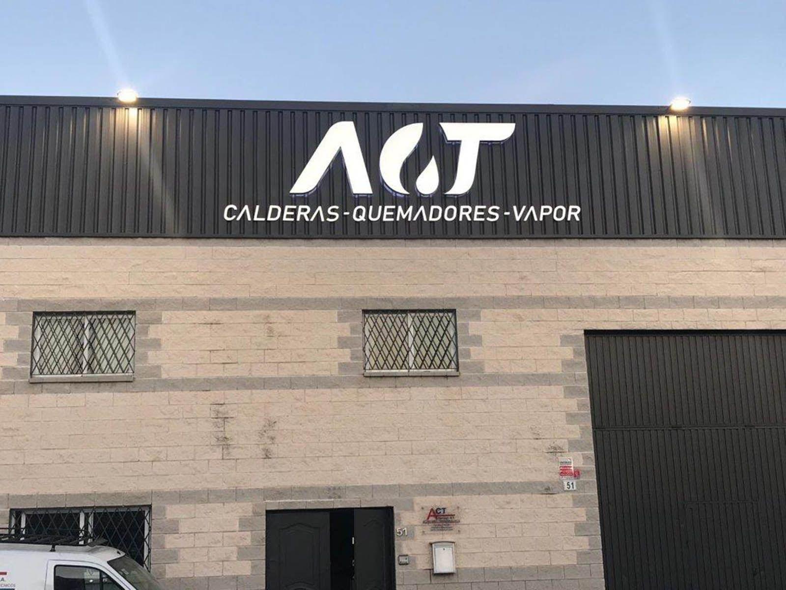 Rotulación de fachadas en Málaga