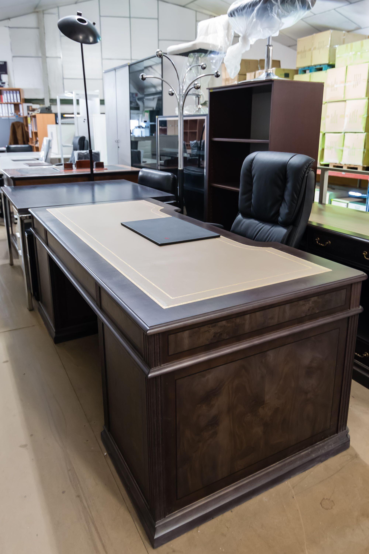 Tenenmos diferentes estilos, modelos y colores en mobiliario para oficina