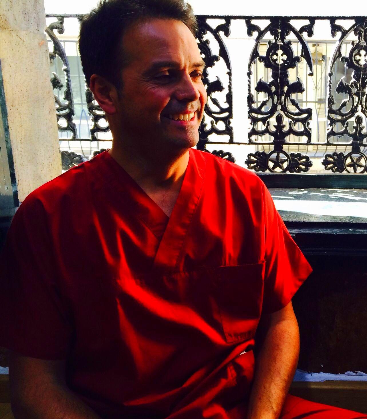 Terapeuta en la consulta del Casco Viejo
