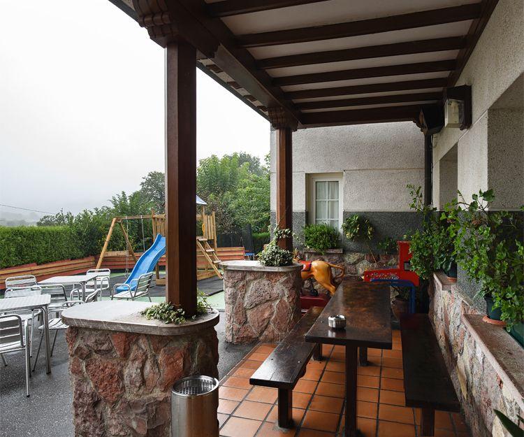 Terraza exterior del restaurante El Titi