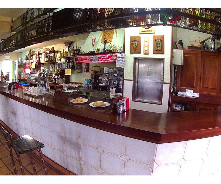 Barra del restaurante El Titi