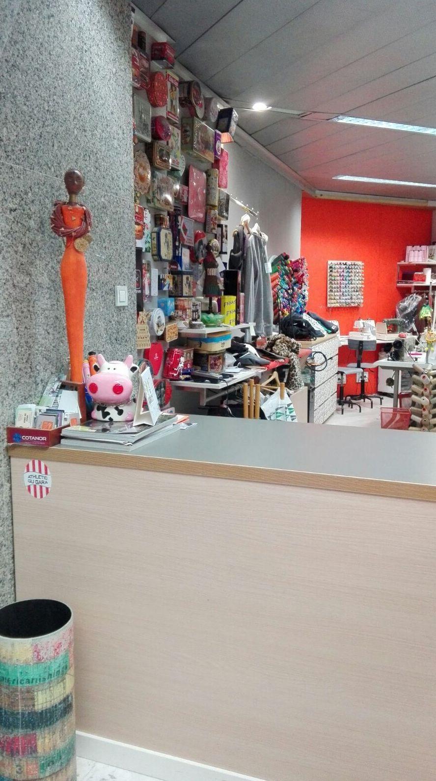 Foto 9 de Arreglos de ropa en Bilbao | A'Coser