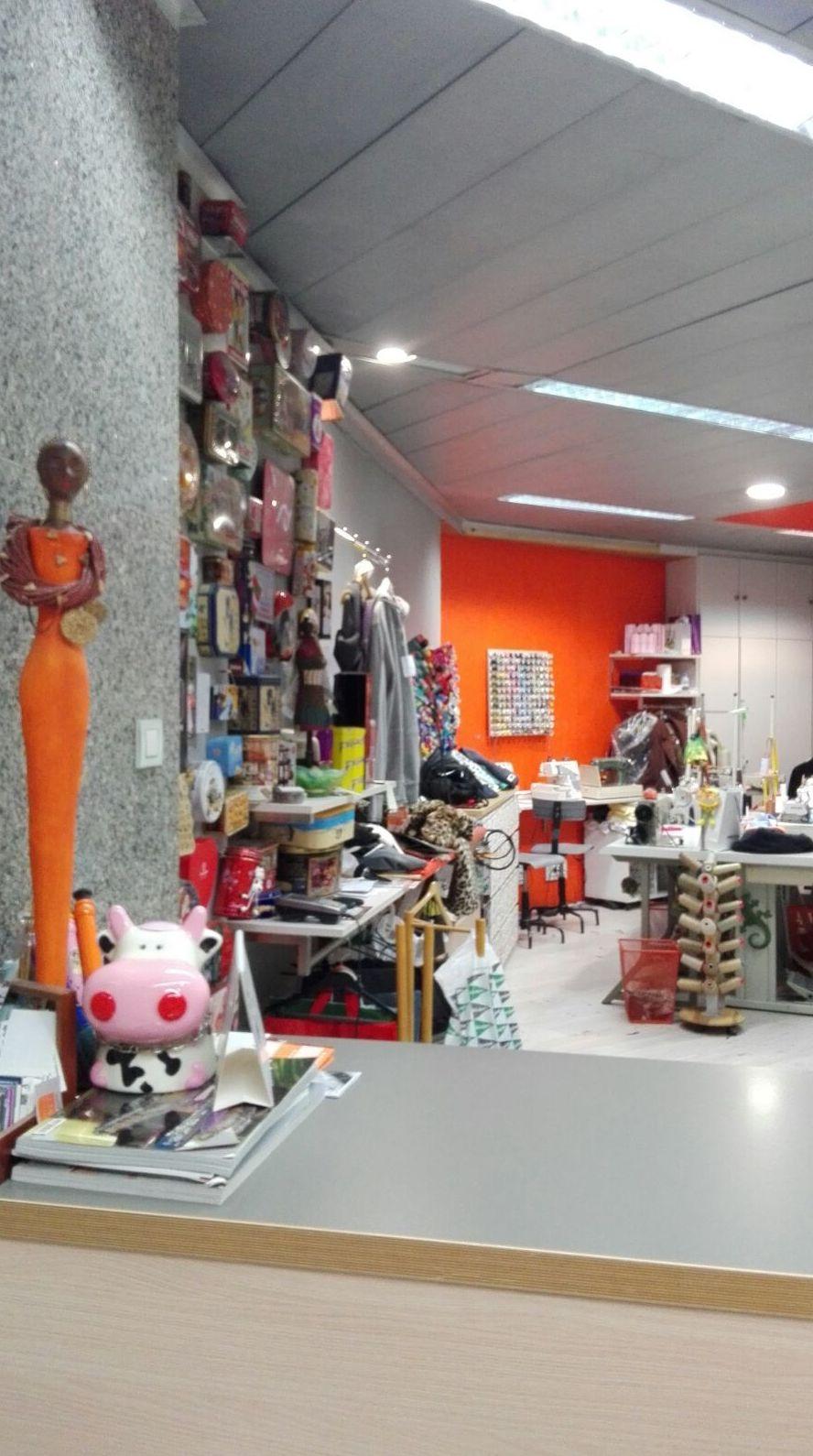 Foto 11 de Arreglos de ropa en Bilbao | A'Coser