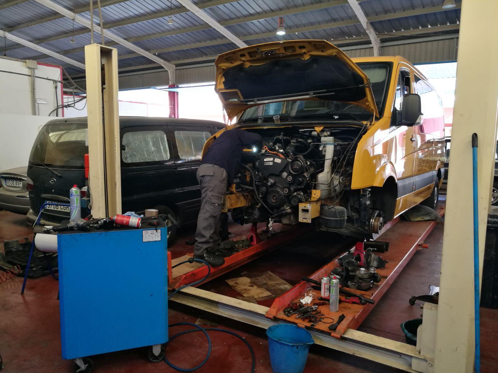 Mecánica general y rápida: Servicios de Autotaller Ruíz