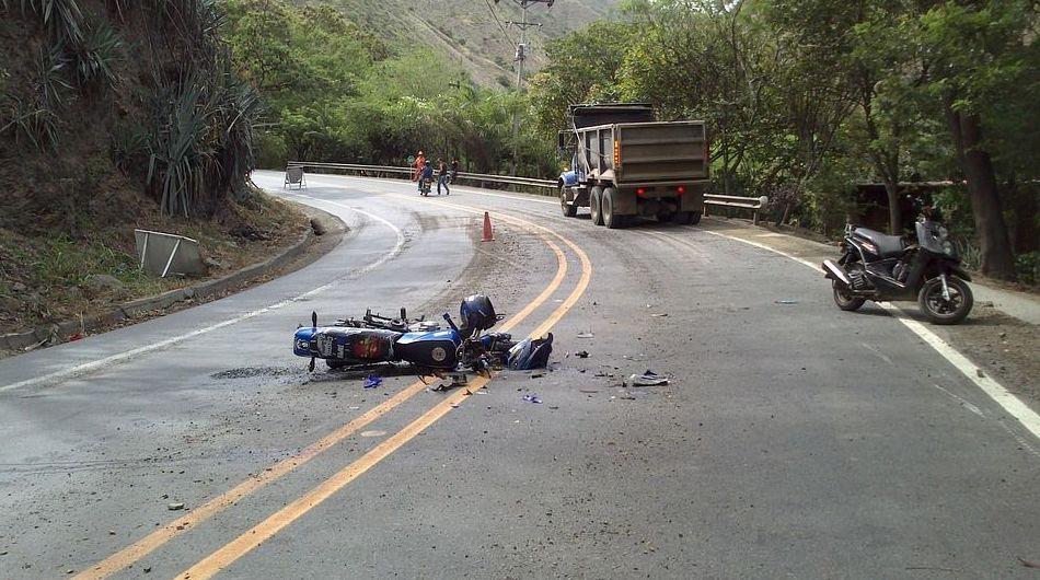 Fallece un motorista de 45 años arrollado por una furgoneta en la avenida de Portugal