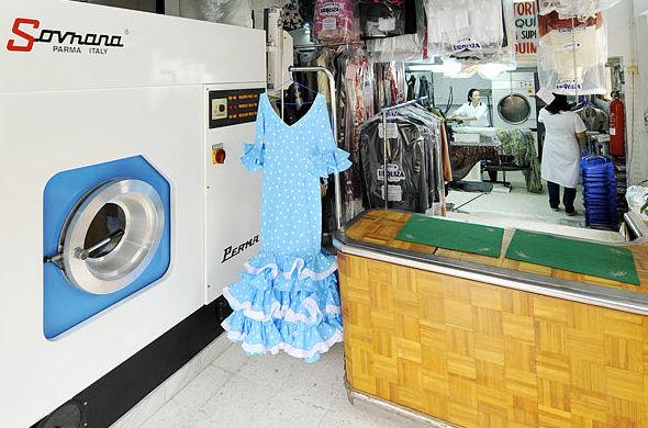 Limpieza y planchado de trajes de flamenca