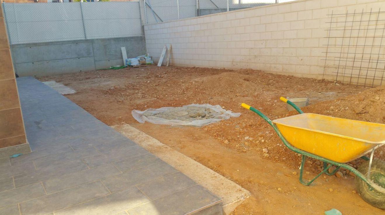 Proyecto paisajiamo antes en jardín particular en Valencia