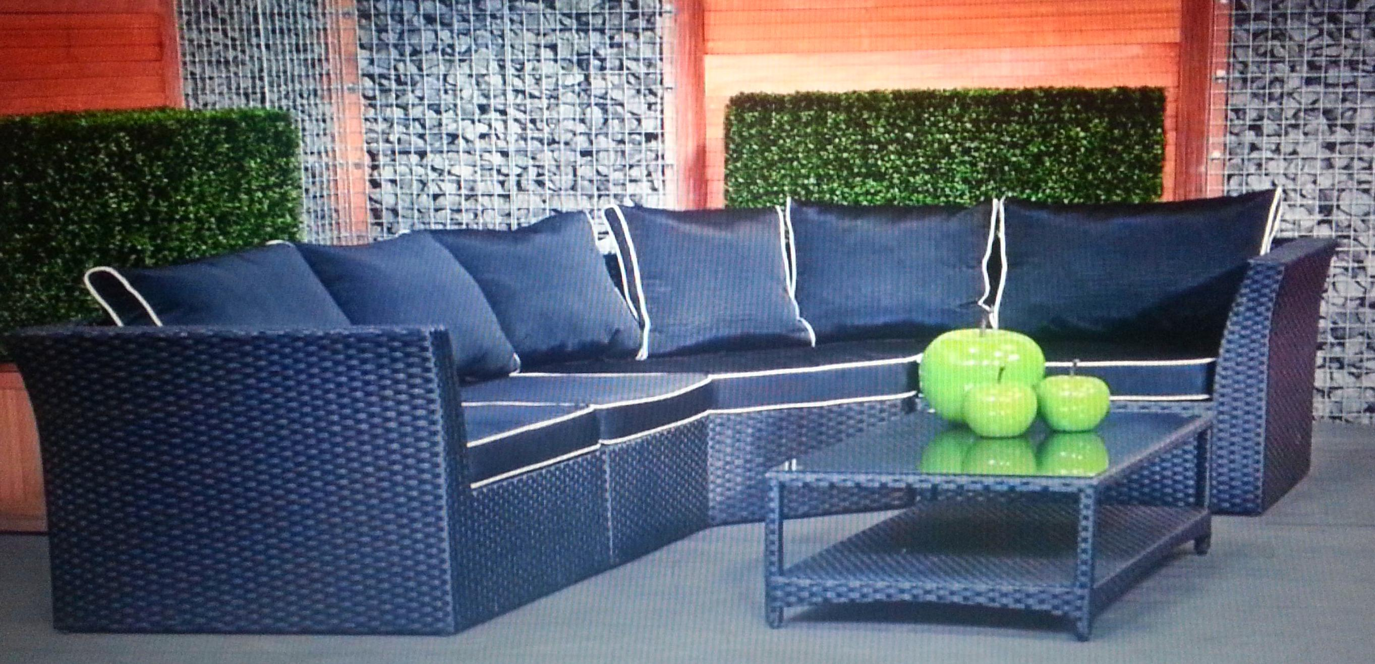 Disponemos de muebles para el jardín, pregúntanos y te informaremos.......