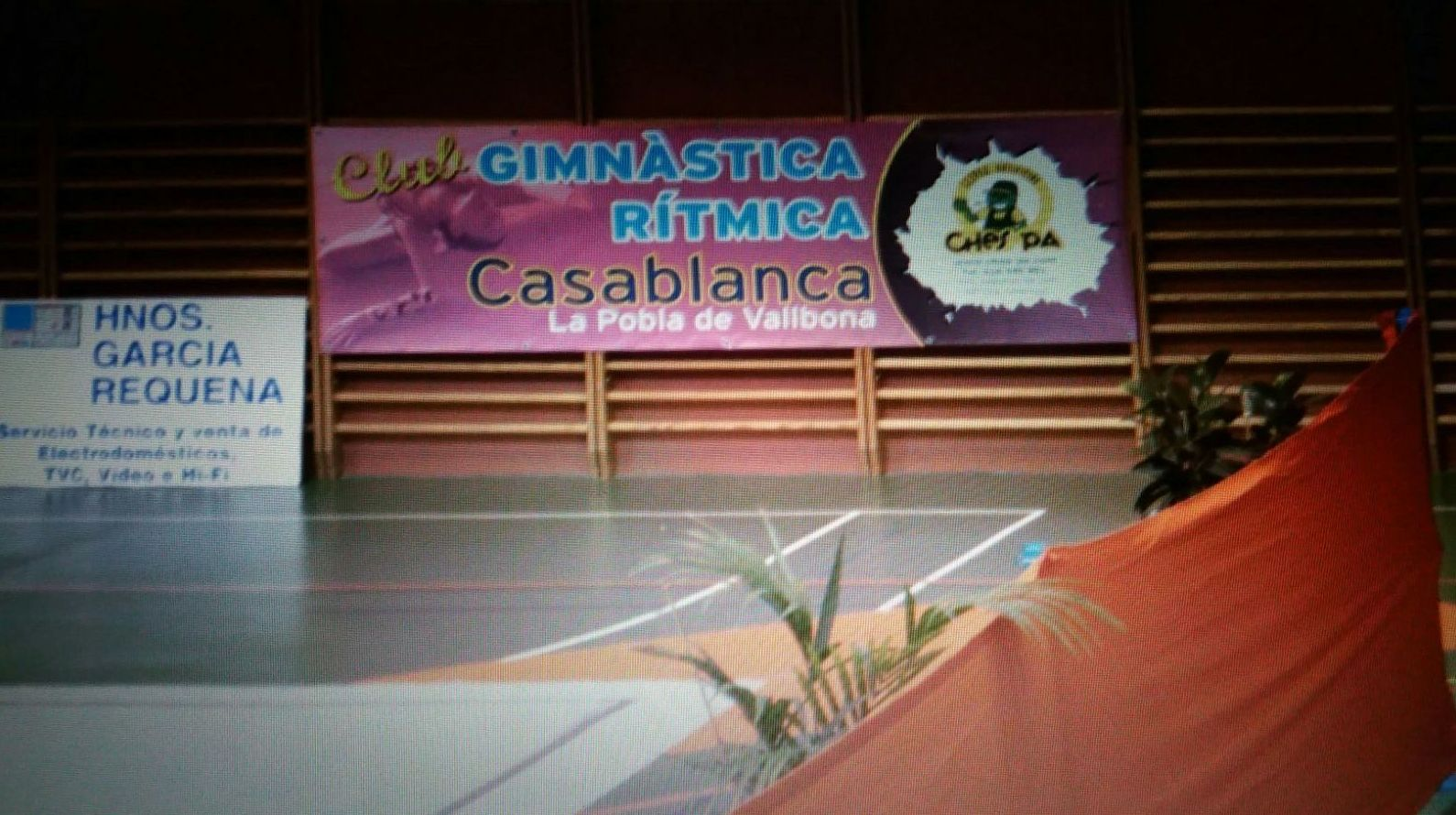 Ches Pa patrocina club gimnasia rítmica