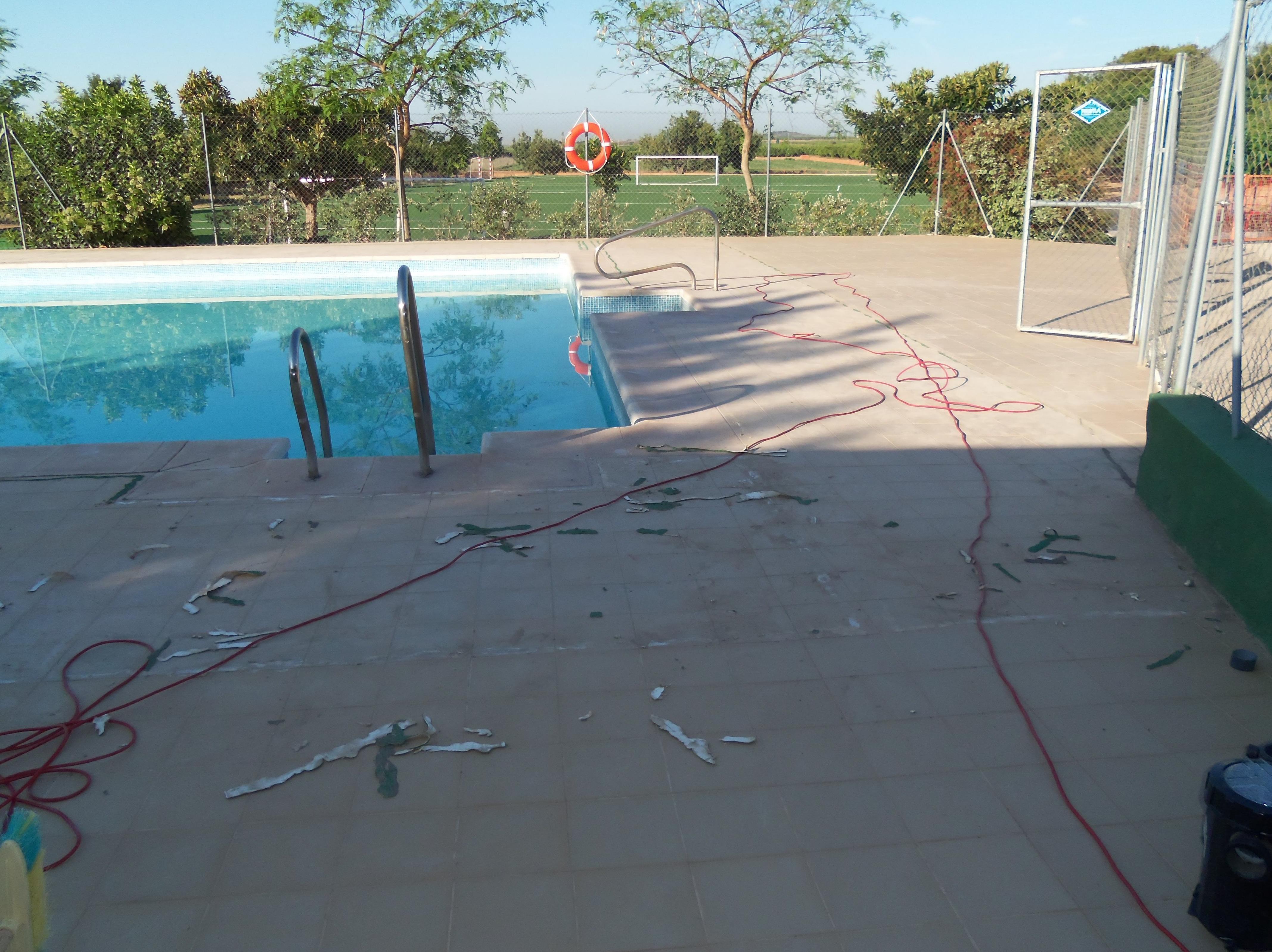 Proyecto Ches Pa piscina Colegio Alfinach - Antes.........
