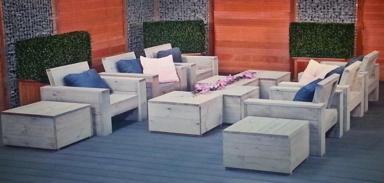Disponemos de muebles para el jardín, pregúntanos y te informaremos....