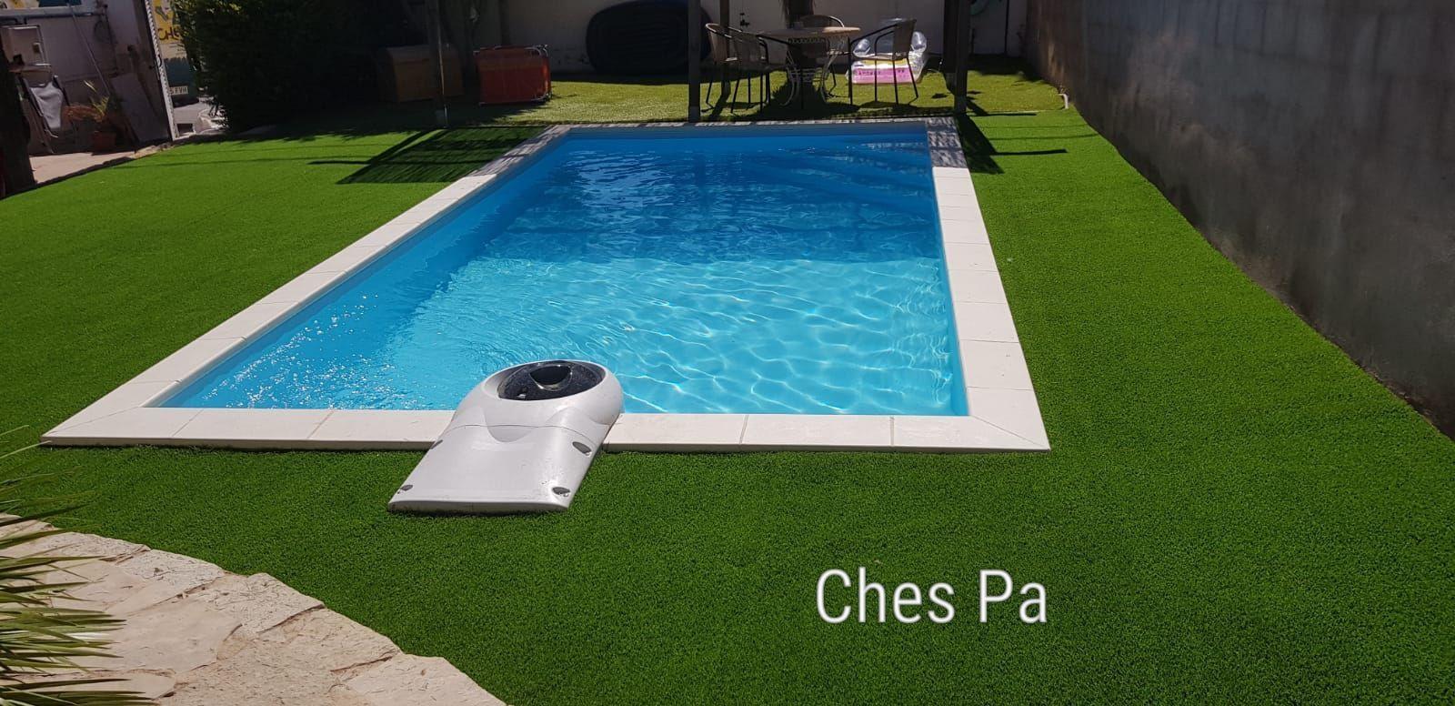 Proyecto paisajismo con césped artificial en Valencia más piscina