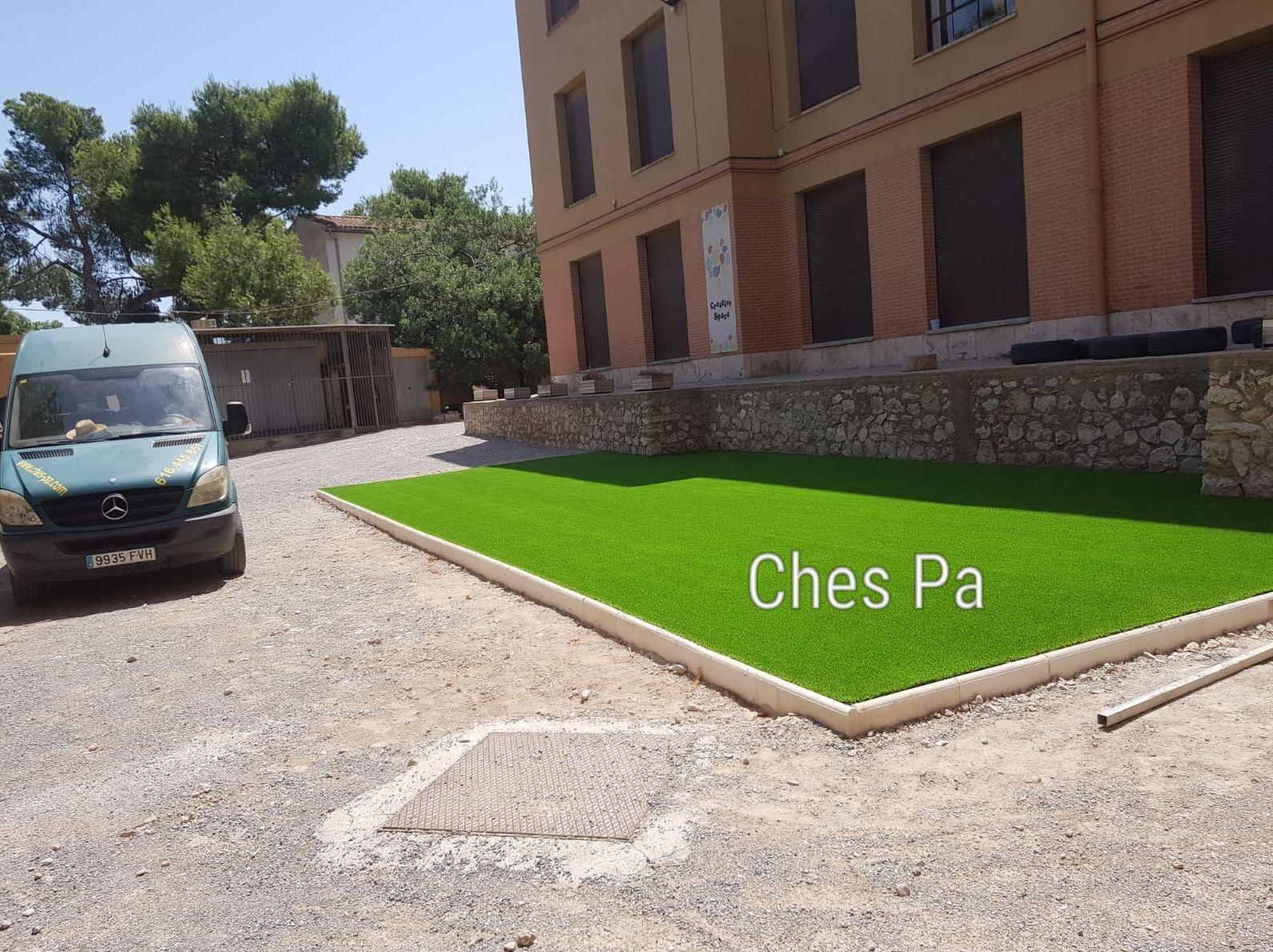 Instalación zona infantil con césped artificial Valencia, colegio Sagrado Corazón,  Godella