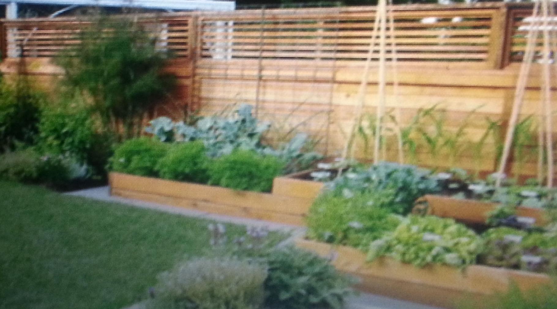 Decoración jardín con maderas.......
