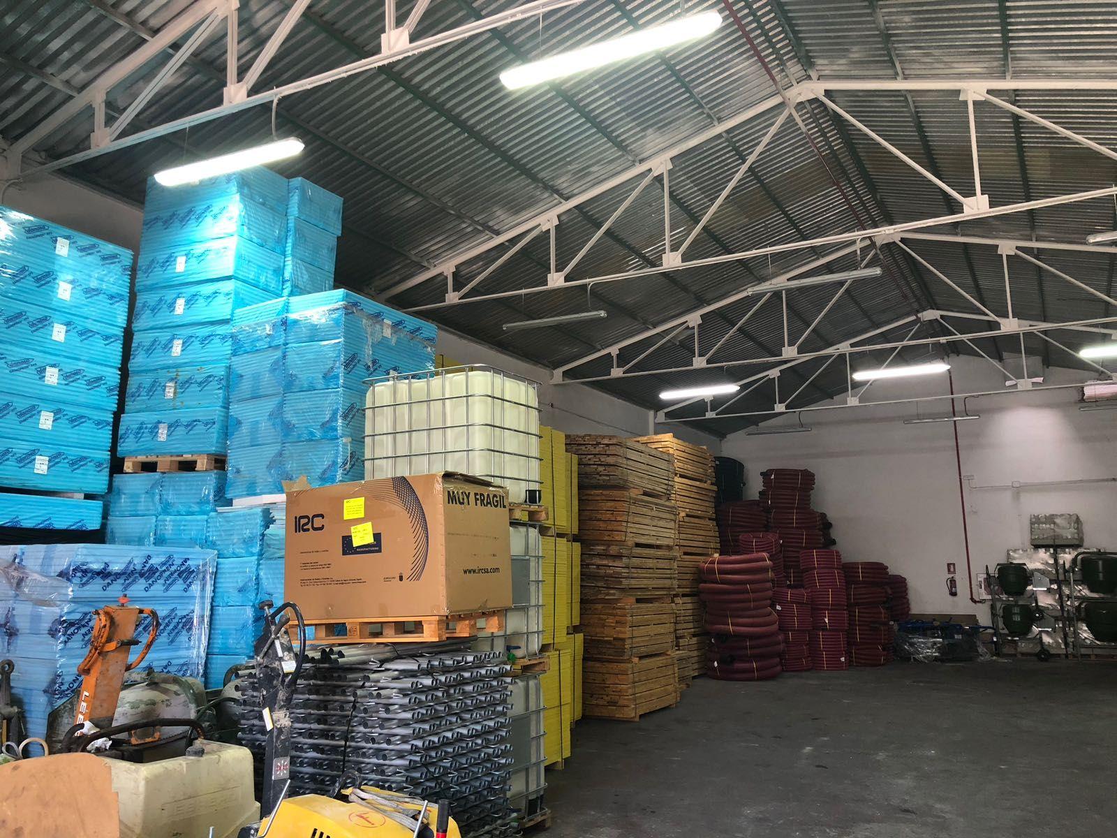 Almacén y suministro de  artículos para construcción en Málaga