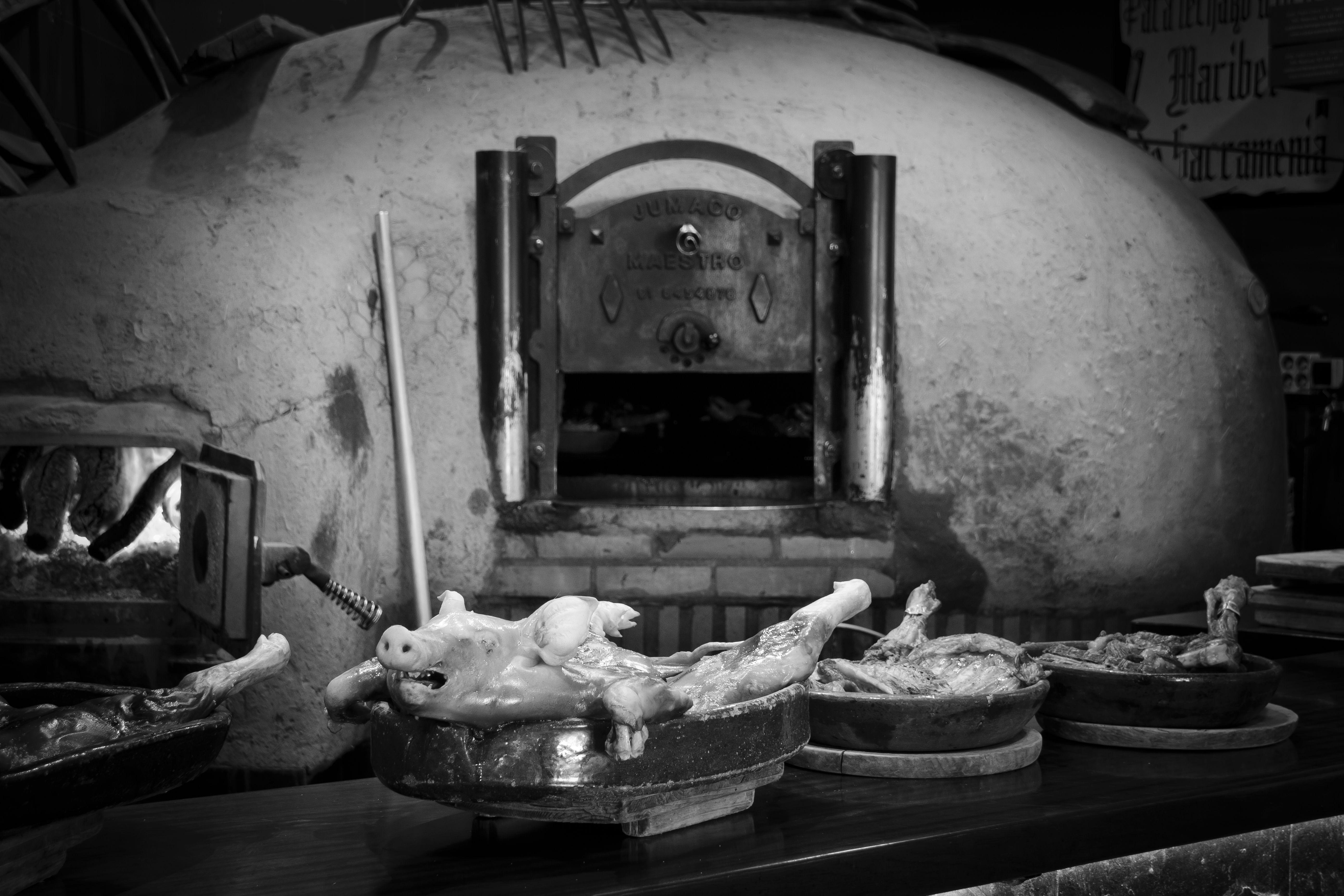 Foto 8 de Asador especializado en cordero y cochinillo en Segovia en Segovia | Asador Maribel