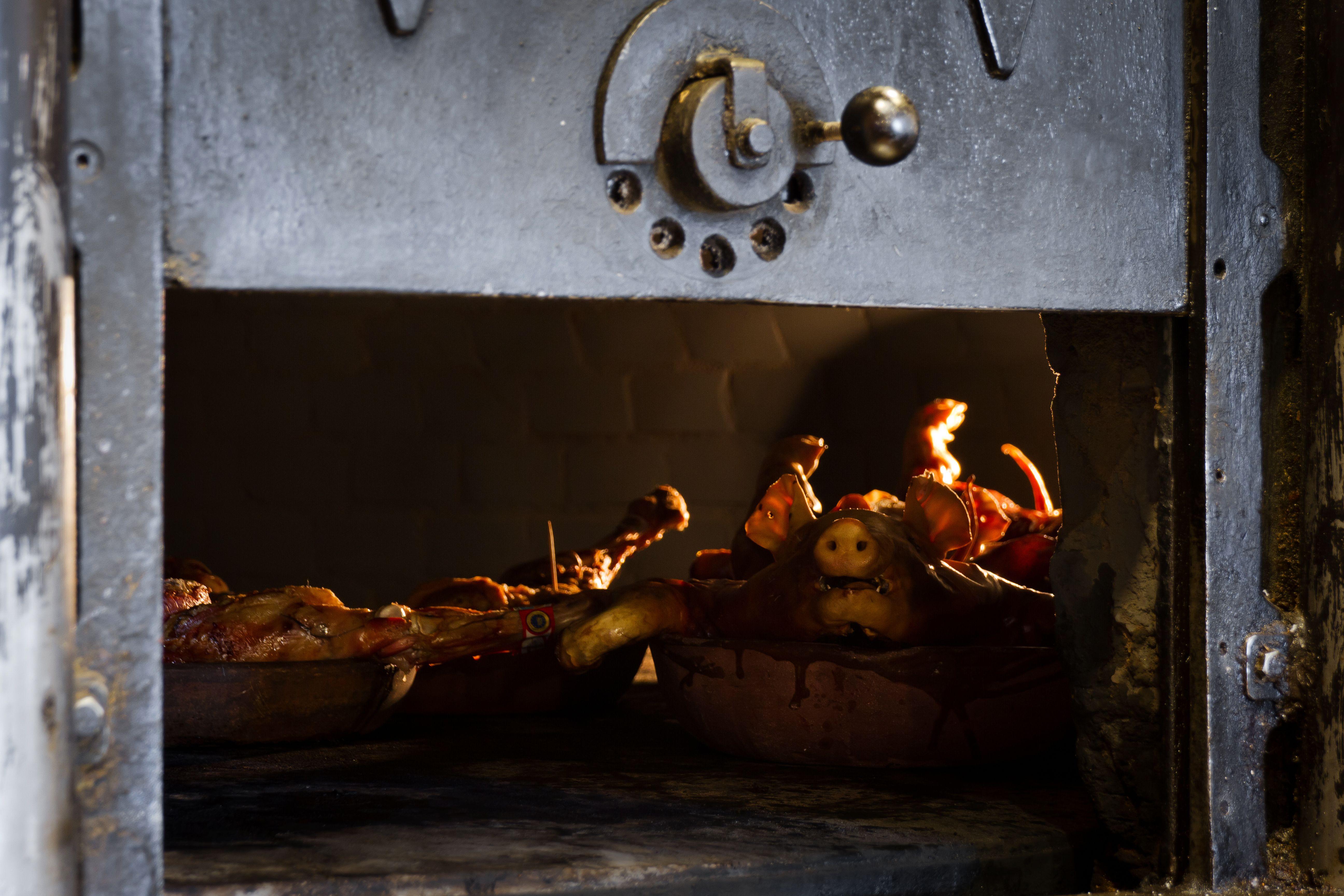 Foto 16 de Asador especializado en cordero y cochinillo en Segovia en Segovia   Asador Maribel