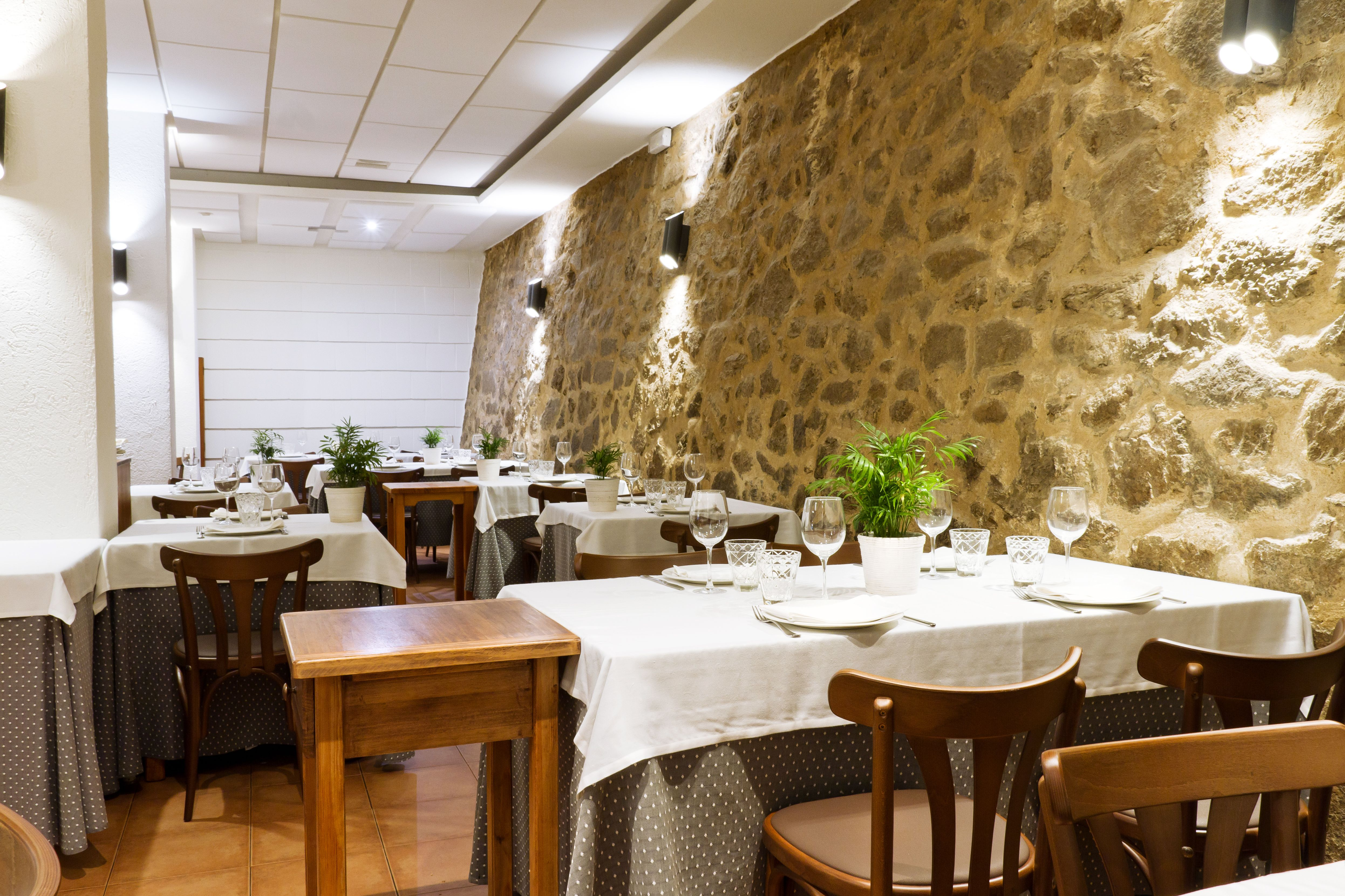 Foto 15 de Asador especializado en cordero y cochinillo en Segovia en Segovia | Asador Maribel