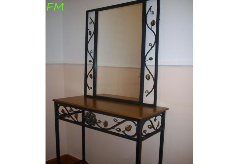 Conjunto Margarita (espejo y mesita): Catálogo de muebles de forja de Forja Manuel Jiménez
