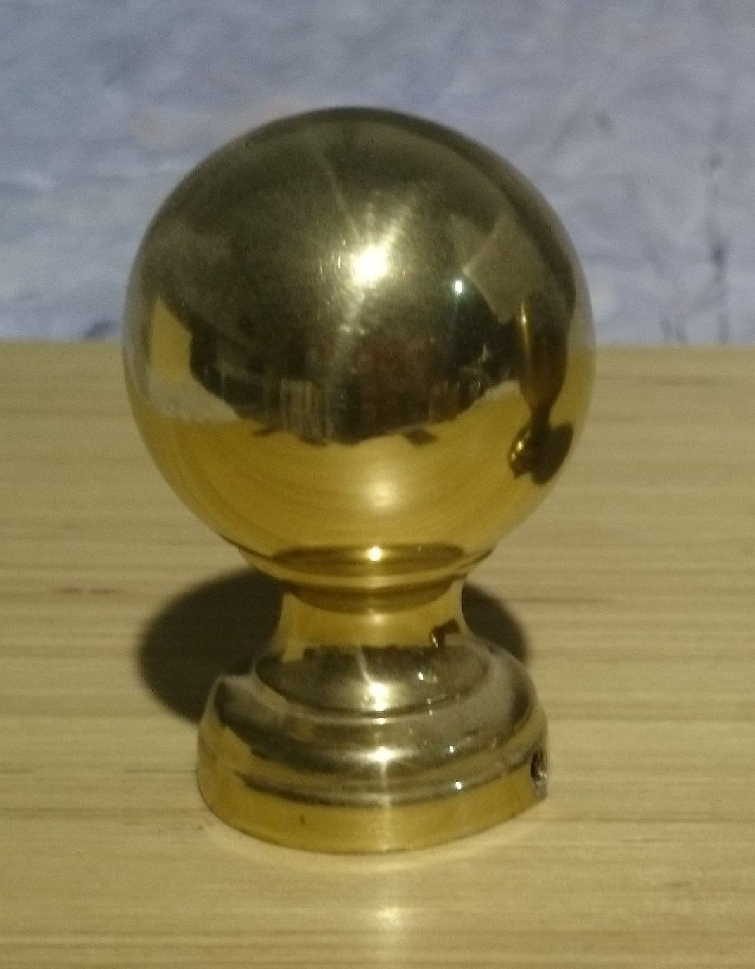 Bola lacada en bronce dorada brillante: Catálogo de muebles de forja de Forja Manuel Jiménez