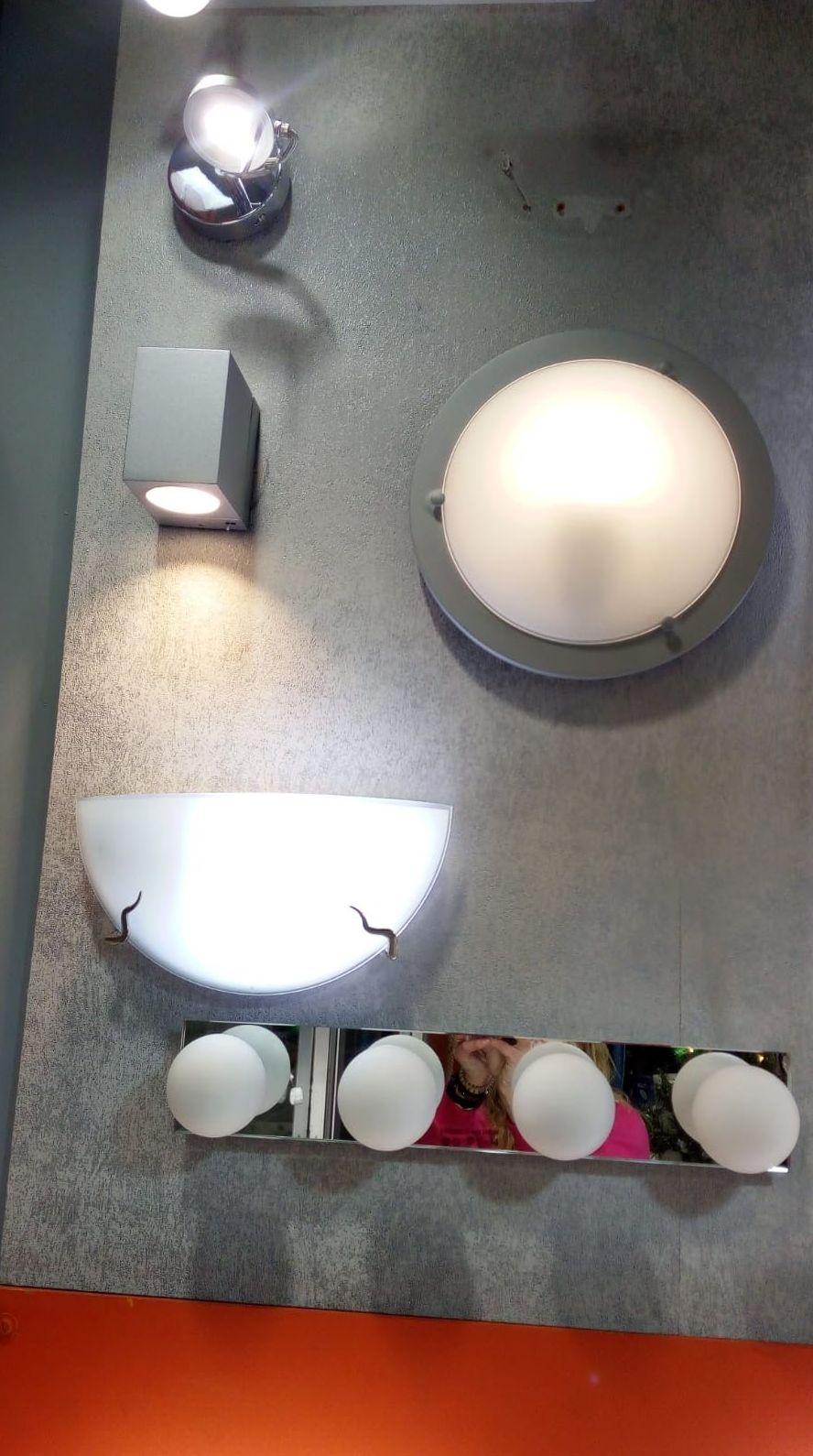 Foto 20 de Material eléctrico en Manresa | Bricolèctric