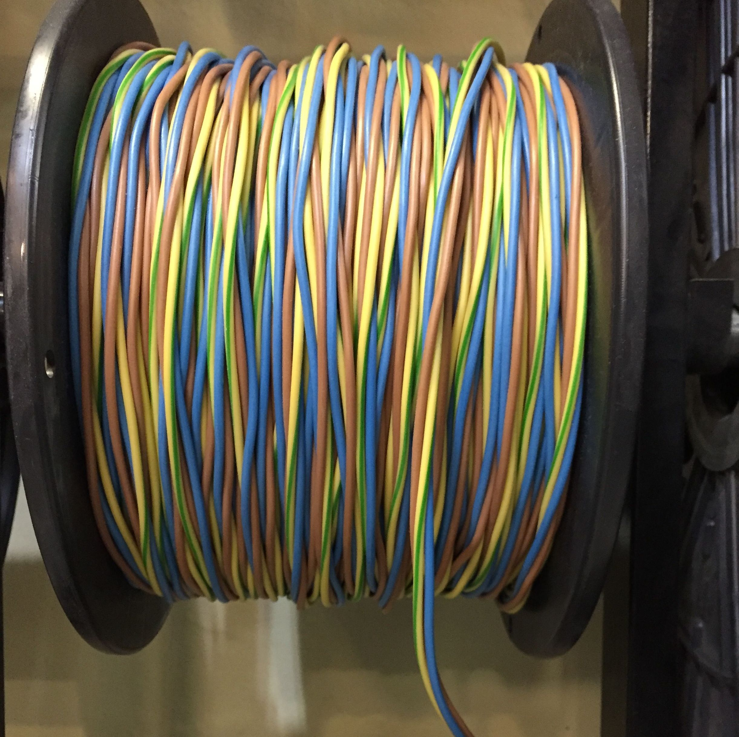 Foto 25 de Material eléctrico en Manresa | Bricolèctric