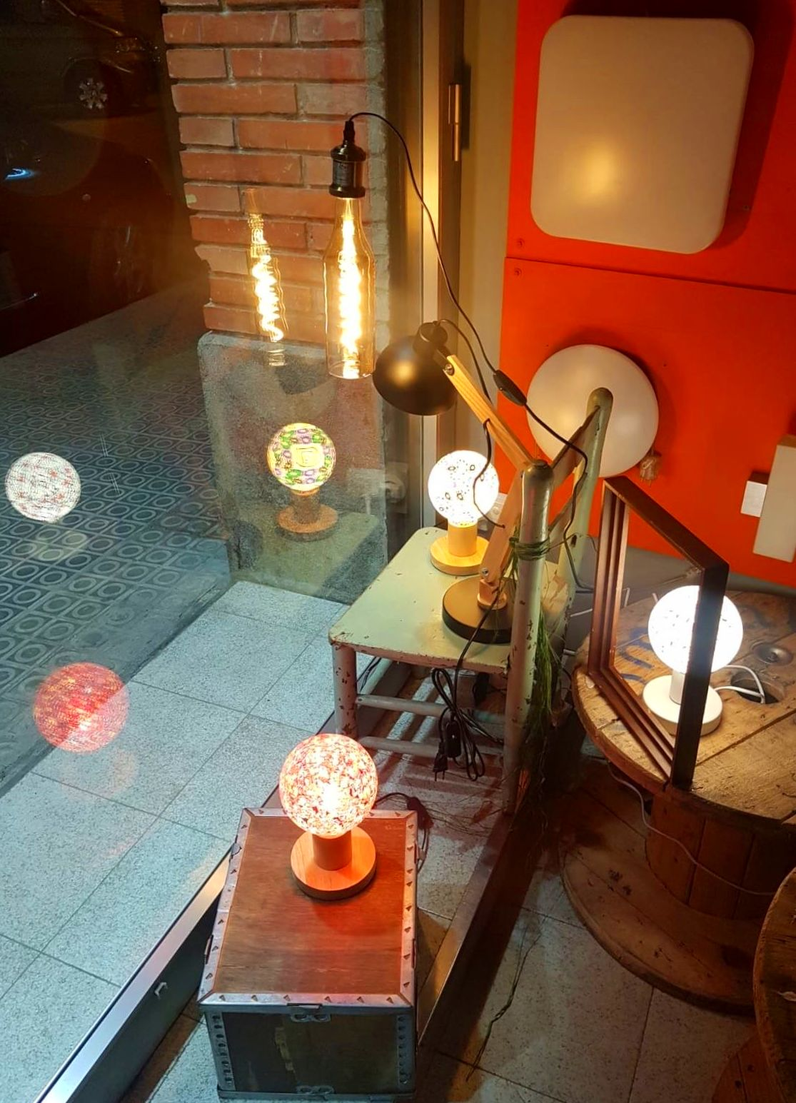 Foto 4 de Material eléctrico en Manresa | Bricolèctric