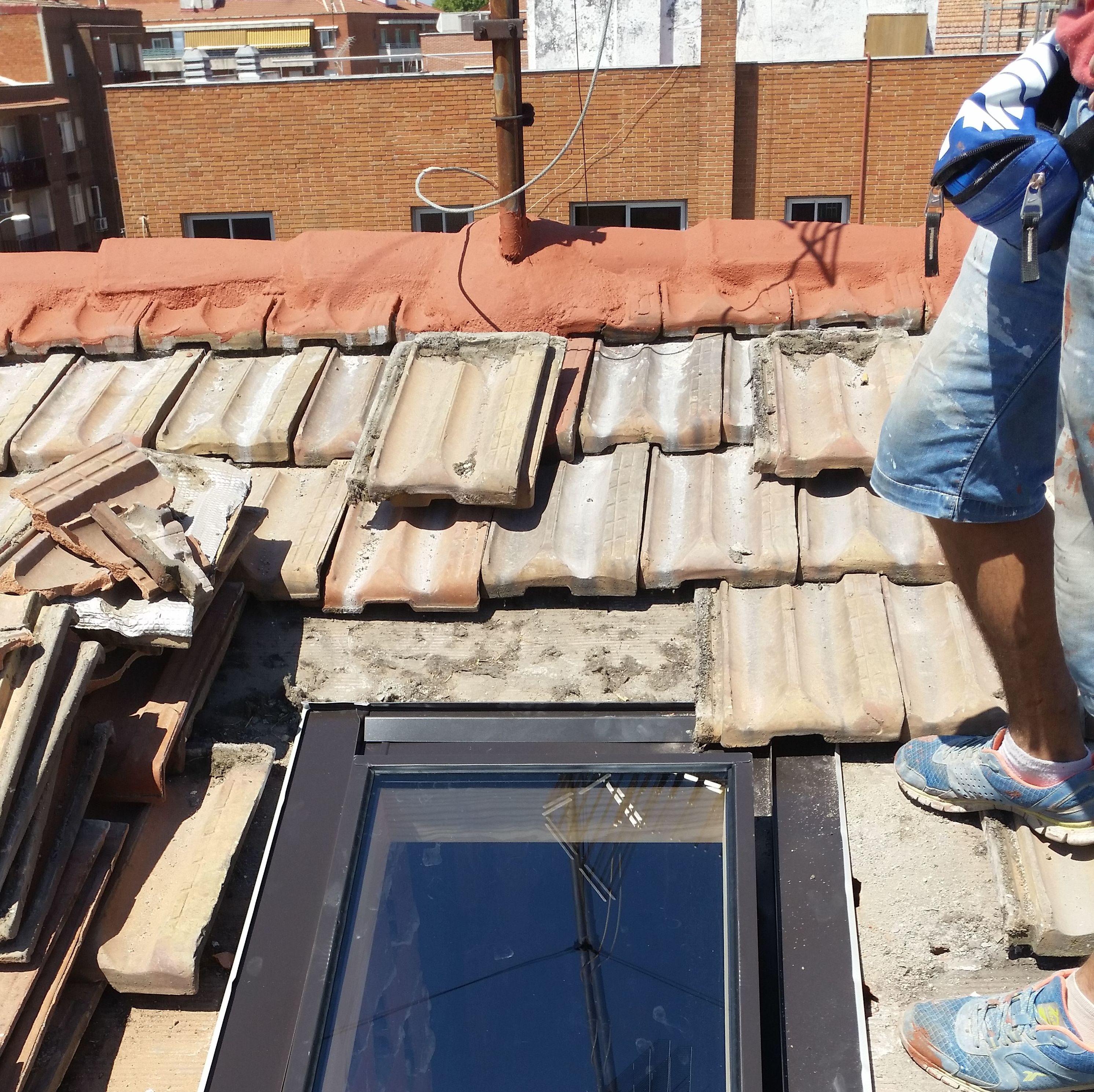 Montaje de lucera en cubierta de teja alicantina