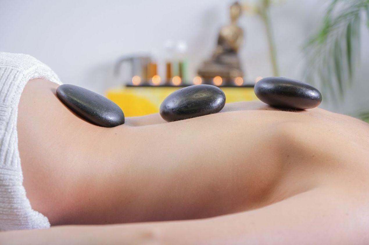 Masajes corporales: Servicios de Unisex Estética y Peluquería Oña