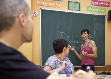 Nuestros alumnos encontrarán en los profesores de Piccadilly Idioma: Catálogo de Piccadilly Idiomas