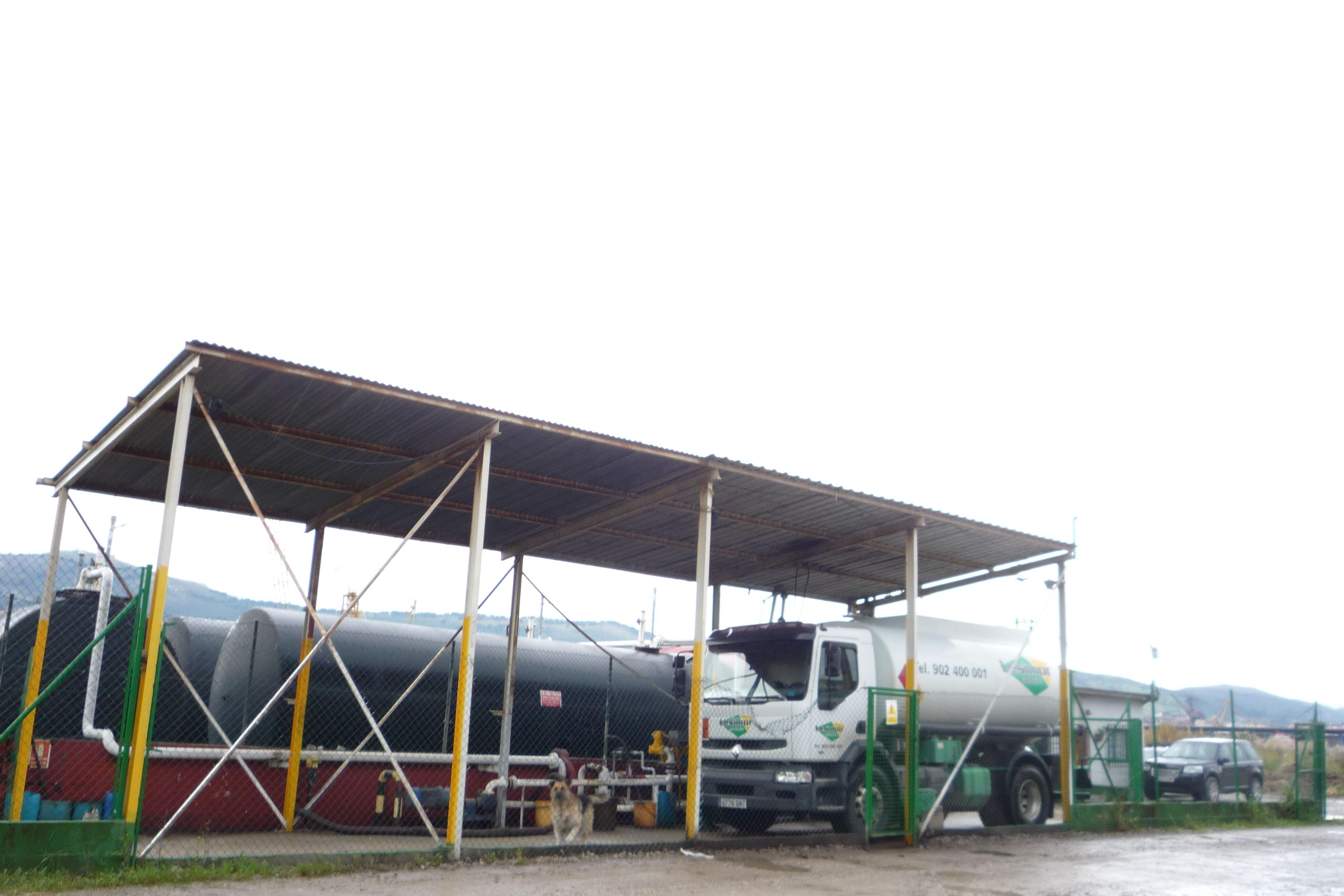 Foto 4 de Gasóleo en Camargo | Lesimor