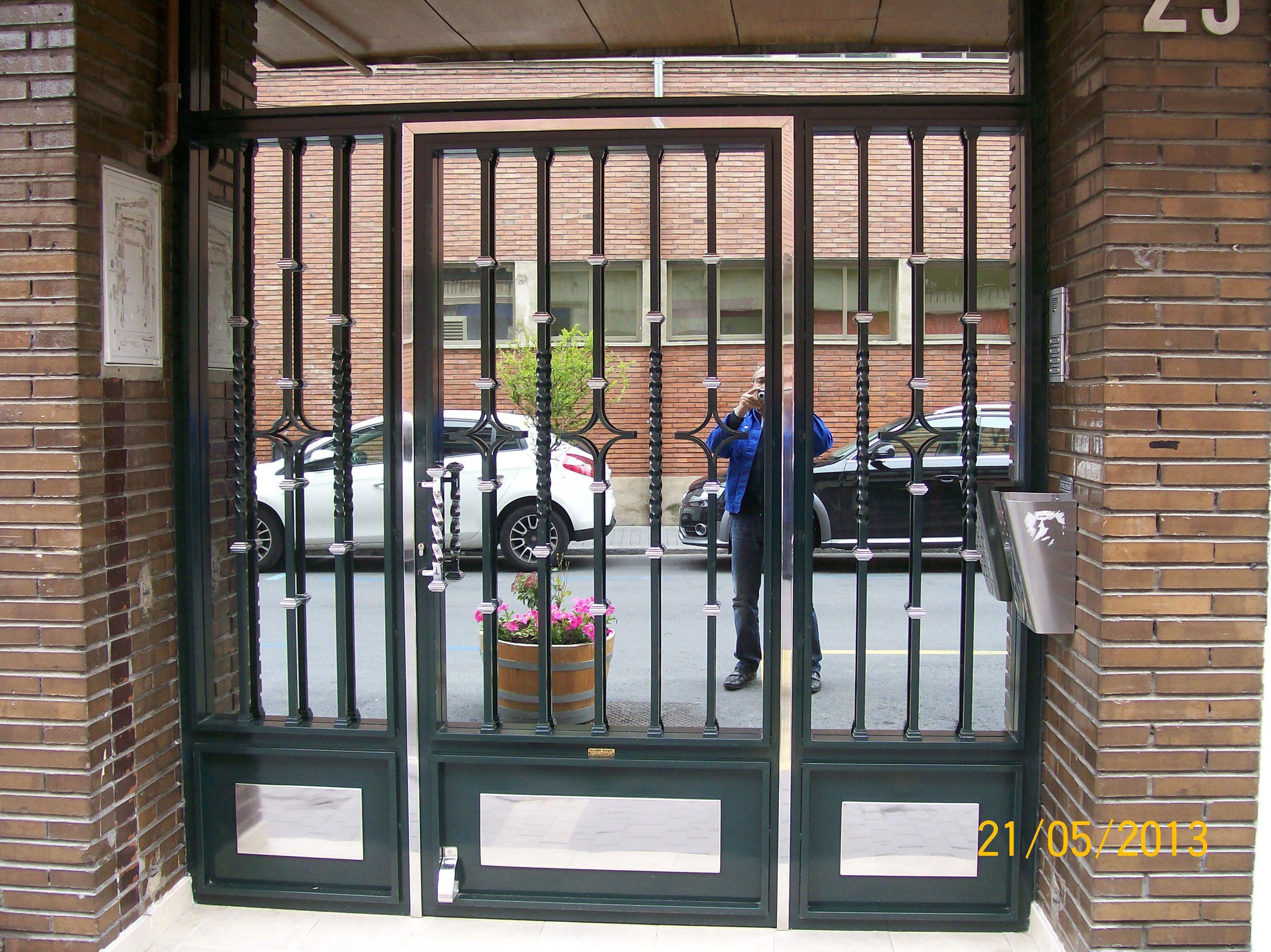 Puertas para portales en Medina del Campo