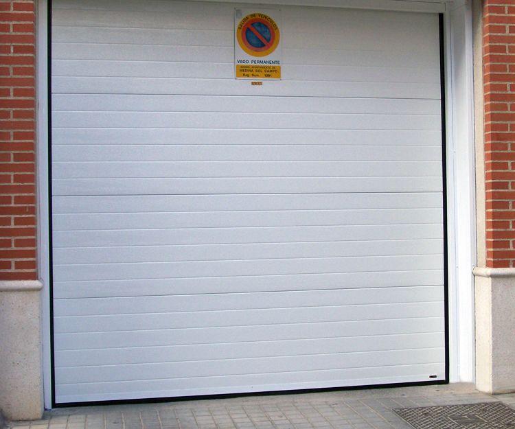 Fabricación de puertas de garaje en Valladolid