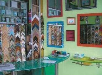 Venta e instalación de marcos y molduras en Santiago de Compostela