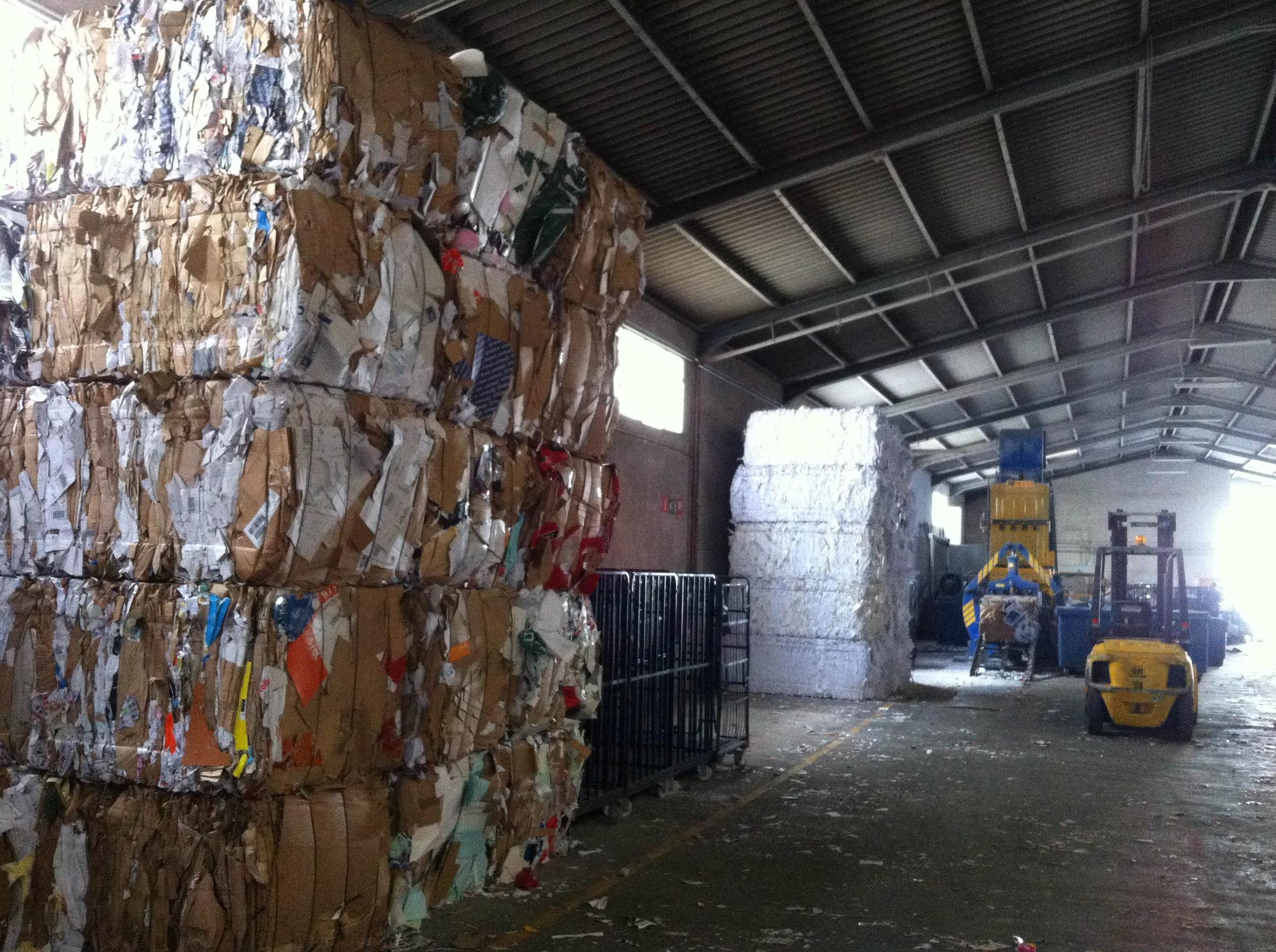 Recuperación de papel y cartón en Fuenlabrada (Madrid)