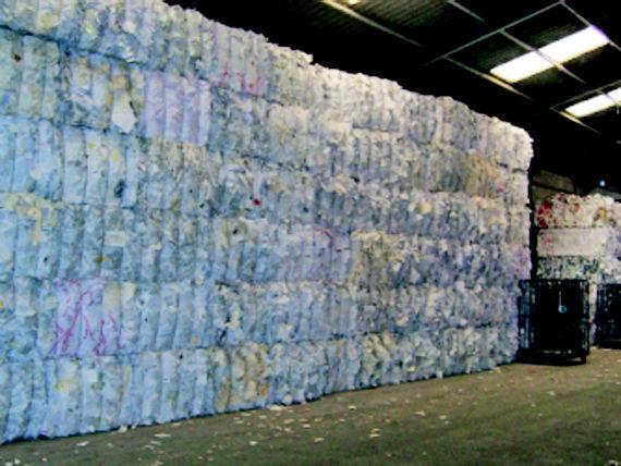 Foto 21 de Recuperación de papel y cartón en Fuenlabrada | Papeles Cruz, S.A.