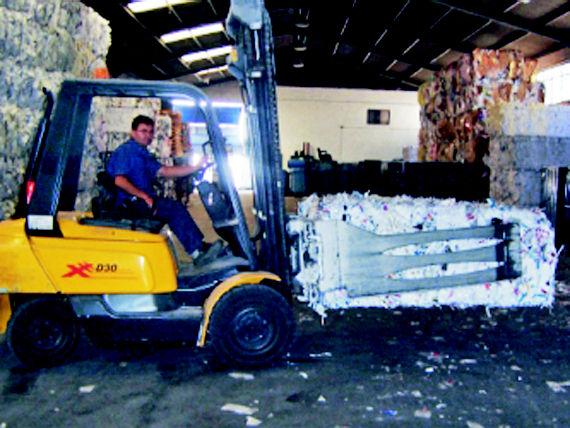 Foto 16 de Recuperación de papel y cartón en Fuenlabrada | Papeles Cruz, S.A.