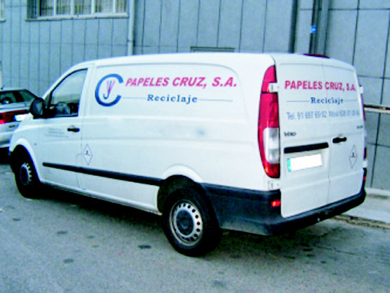 Foto 20 de Recuperación de papel y cartón en Fuenlabrada | Papeles Cruz, S.A.