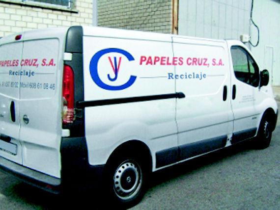 Foto 15 de Recuperación de papel y cartón en Fuenlabrada | Papeles Cruz, S.A.